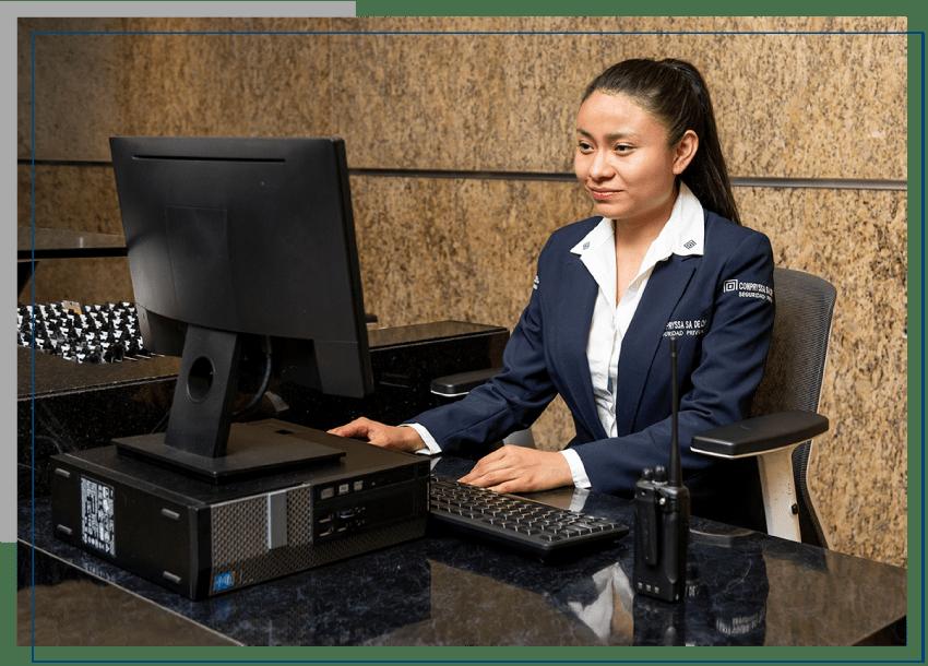 Recepcionista-especializada-en-seguridad-privada